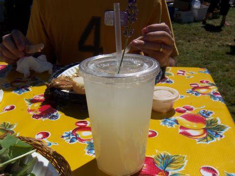 Mouthwatering honey lavender lemonade