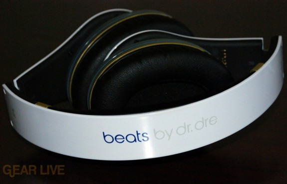 White Beats by Dr. Dre band