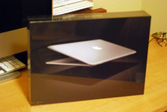 Alternate MacBook Air box shot