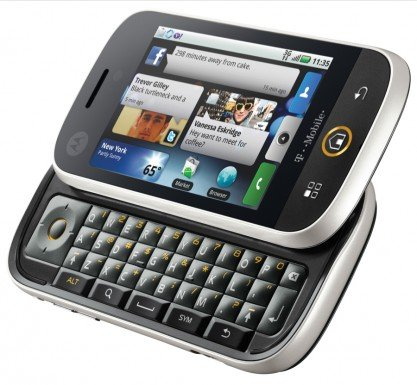 Motorola CLIQ Side Open