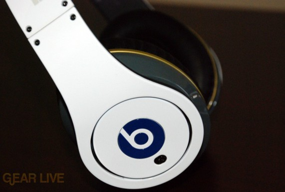 White Beats by Dr. Dre Limited Edition power switch
