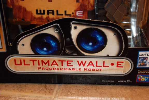 Ultimate Control Wall-E box image