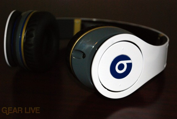 White Beats by Dr. Dre side