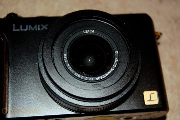 Panasonic Lumix LX3 front 2