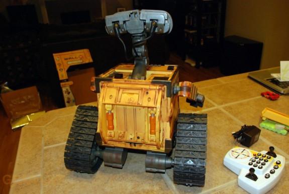 Ultimate Control Wall-E back