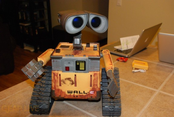 Ultimate Control Wall-E moving