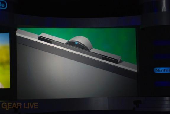 Nintendo E3 08: WiiSpeak microphone