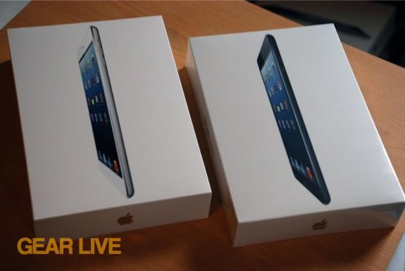 White and black iPad mini boxes