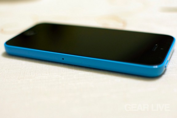 iPhone 5c SIM card slot