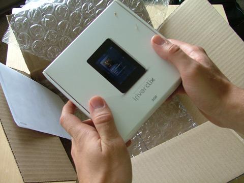 The iRiver clix Box