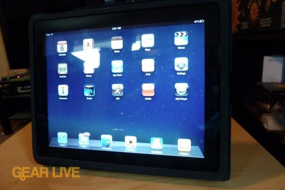Apple iPad case: Landscape stand