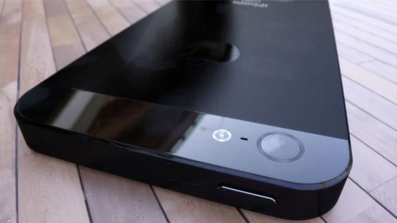 Black iPhone 5 camera 3D render