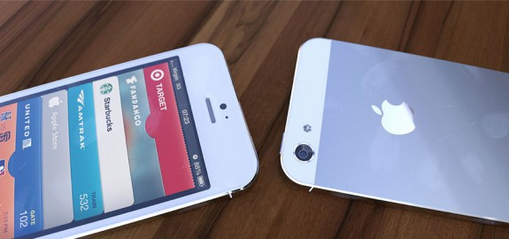 White iPhone 5 aluminum 3D render