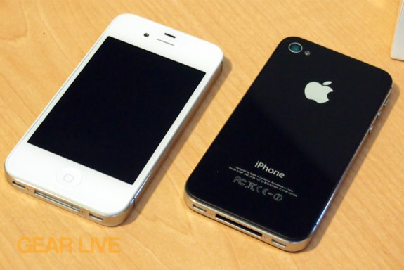 iPhone 4S: White front, black back
