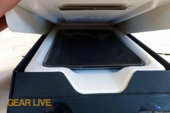 Amazon Kindle Fire HD 7 box peek