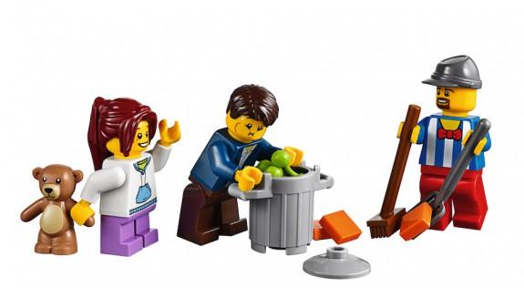 LEGO Fairground Mixer 10244 - Throwing Up Minifig