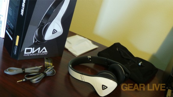 Monster DNA White Tuxedo headphones unboxed