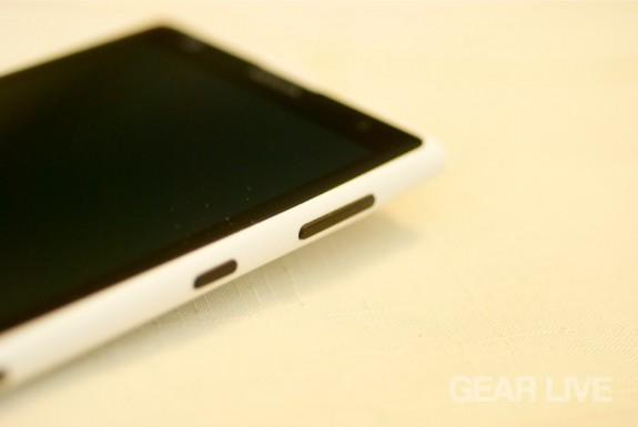 Nokia Lumia 1020 power, volume rocker buttons