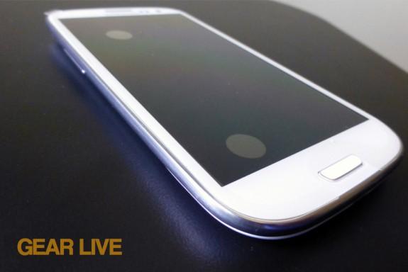 Samsung Galaxy S III bottom left