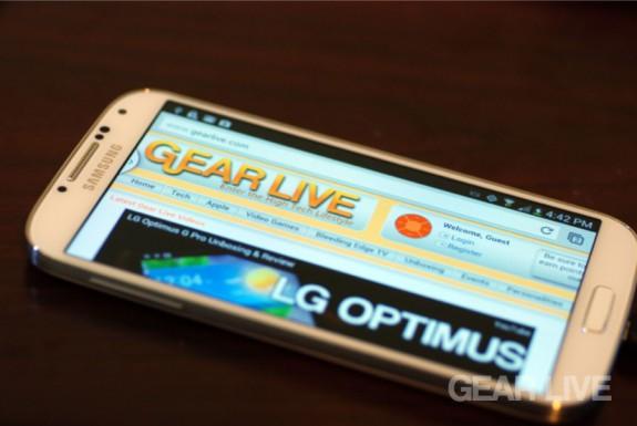 Samsung Galaxy S4 landscape Gear Live
