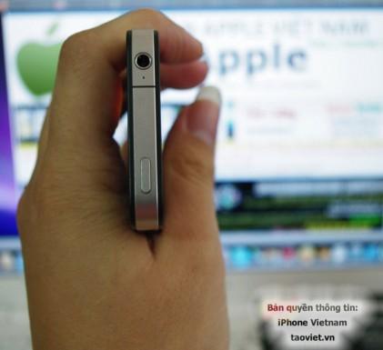 iPhone HD top mic