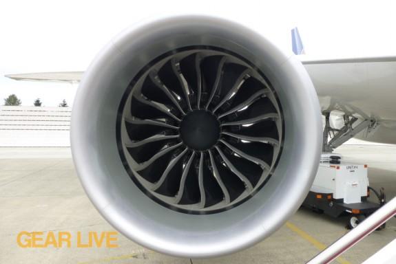 United Boeing 787 Dreamliner engine