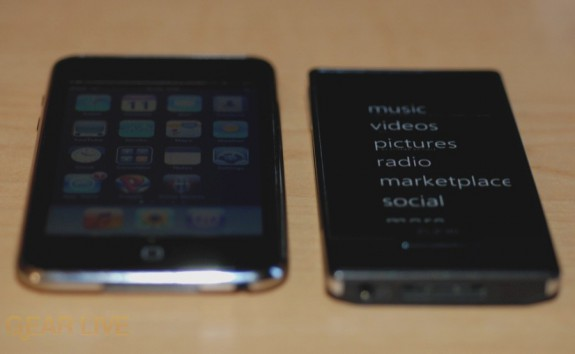 Zune HD vs. iPod touch bottom size comparison
