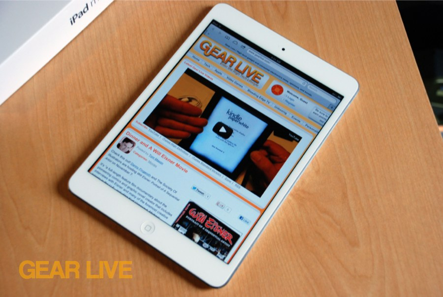 White Apple iPad mini