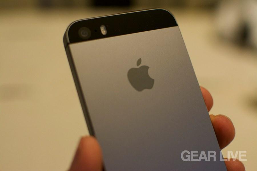 iPhone 5s Space Gray Apple logo