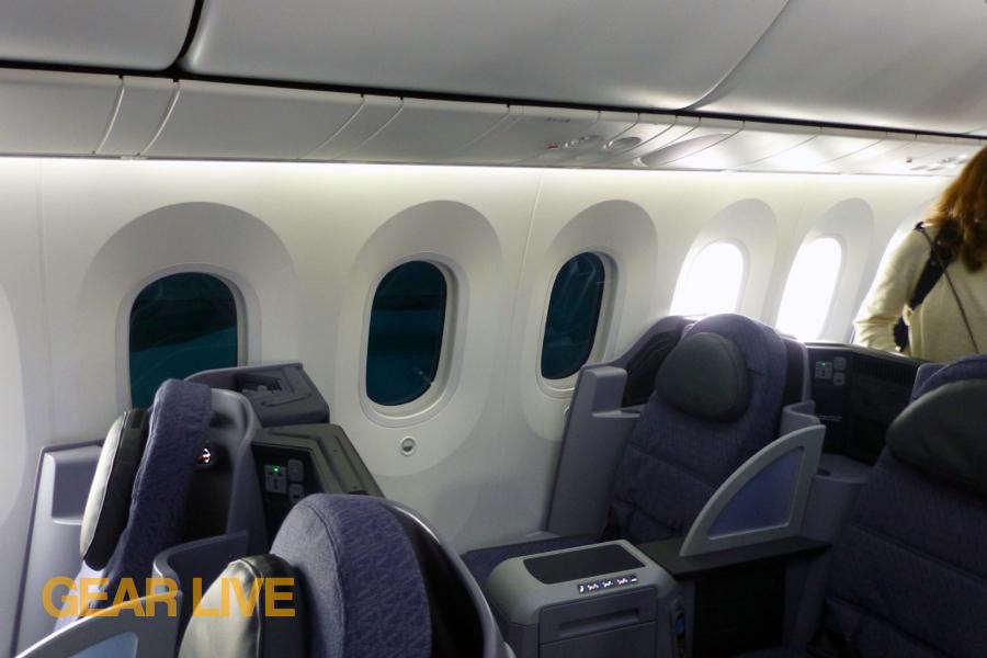 ... Dreamliner Interior · United Boeing 787 Dreamliner Monochromatic  Windows ...