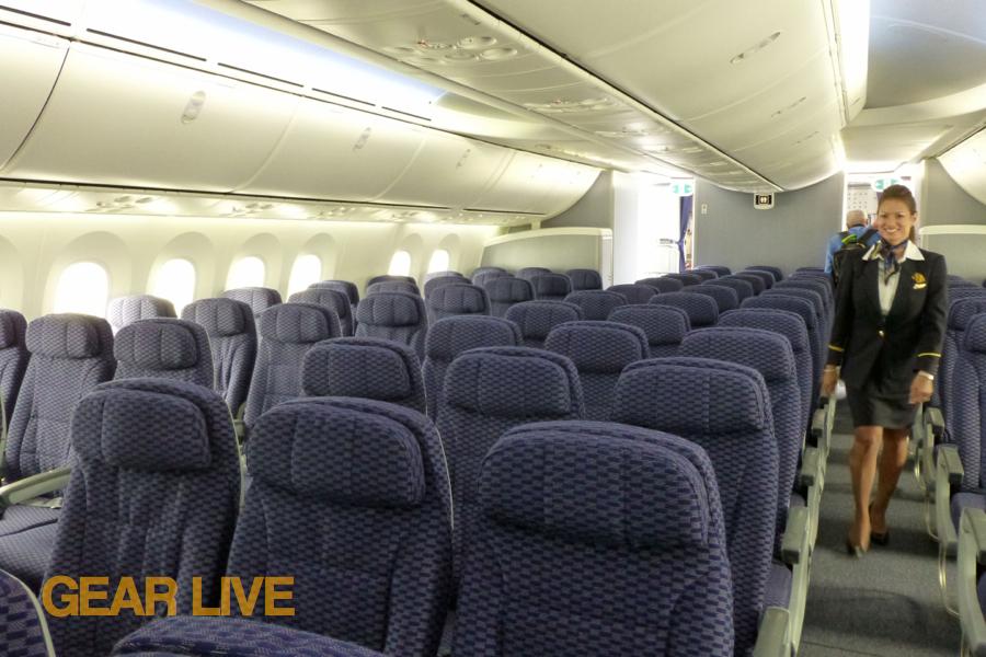 ... United Boeing 787 Dreamliner Interior ...
